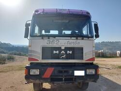 Man road tractor - Lote 4 (Subasta 6021)