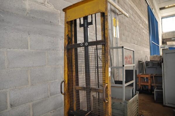 24#6024 Trapano a colonna Titex e transpallet in vendita - foto 11