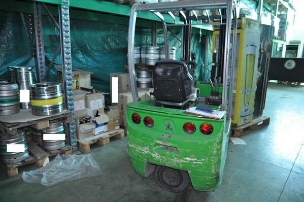 10#6028 Carrello elevatore Cesab con caricabatteria in vendita - foto 4