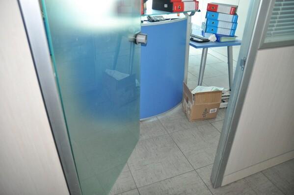 12#6028 Arredi e attrezzature per ufficio in vendita - foto 2