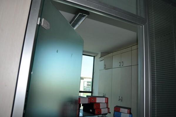 12#6028 Arredi e attrezzature per ufficio in vendita - foto 3
