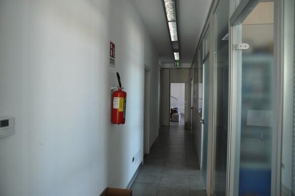 12#6028 Arredi e attrezzature per ufficio in vendita - foto 23