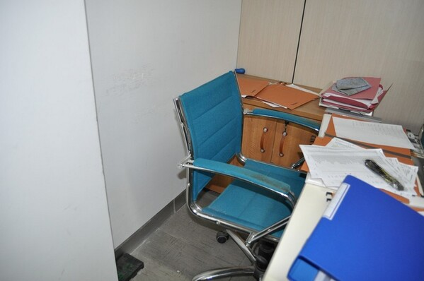 12#6028 Arredi e attrezzature per ufficio in vendita - foto 43