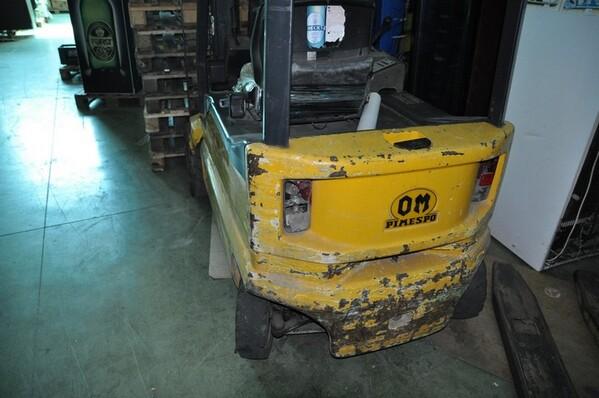 9#6028 Carrello elevatore OM con caricabatteria ATIB in vendita - foto 2