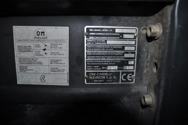 9#6028 Carrello elevatore OM con caricabatteria ATIB in vendita - foto 7