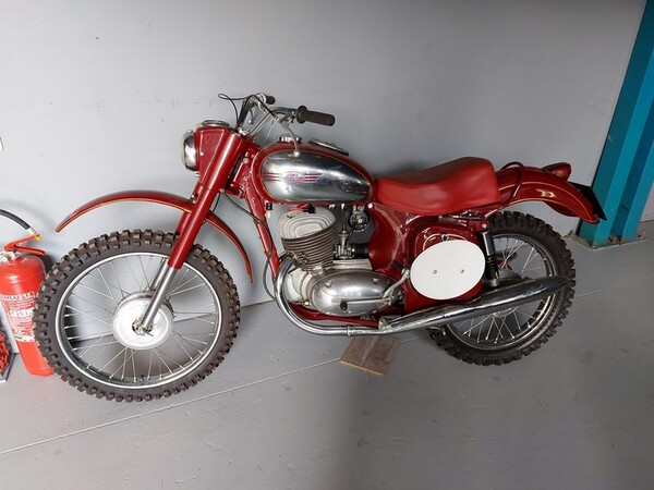 44#6030 Moto Jawa 350 in vendita - foto 1