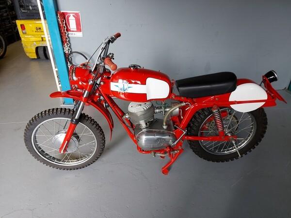 46#6030 Moto Augusta MV 125 in vendita - foto 1