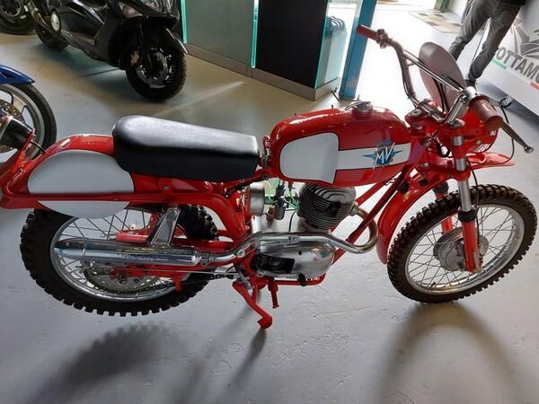 46#6030 Moto Augusta MV 125 in vendita - foto 3