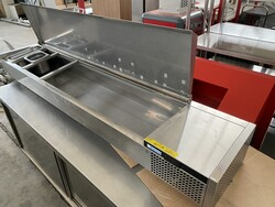 Afinox VRK refrigerated counter for pizza chefs - Lote 13 (Subasta 6031)