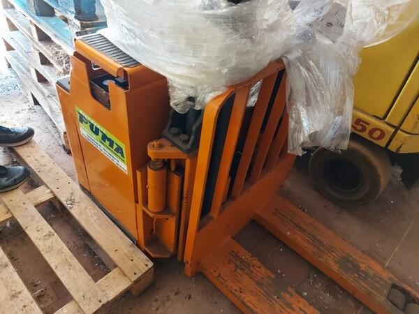 3#6042 Stoccatore elettrico Still e transpallet manuale in vendita - foto 1