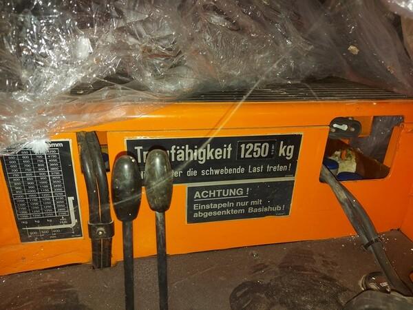 3#6042 Stoccatore elettrico Still e transpallet manuale in vendita - foto 2
