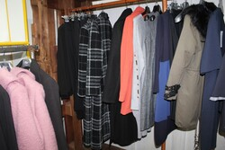 Clothing for men and women - Lot 0 (Auction 6045)