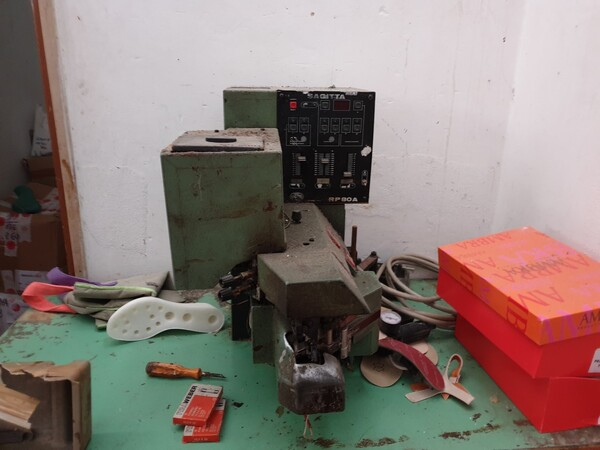 3#6047 Attrezzature per la produzione di calzature in vendita - foto 12