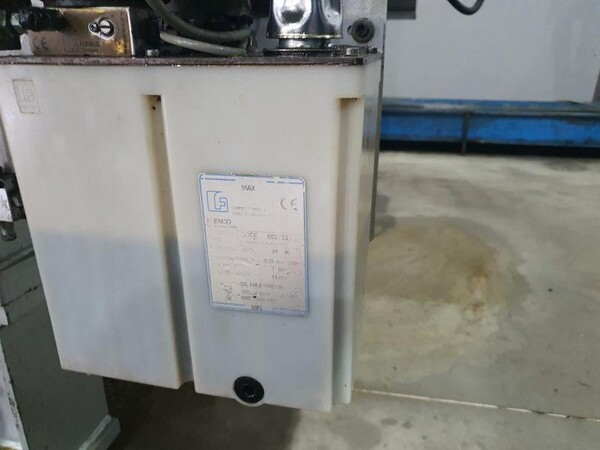 8#6048 Pressa oleodinamica BMB KW70PI in vendita - foto 4