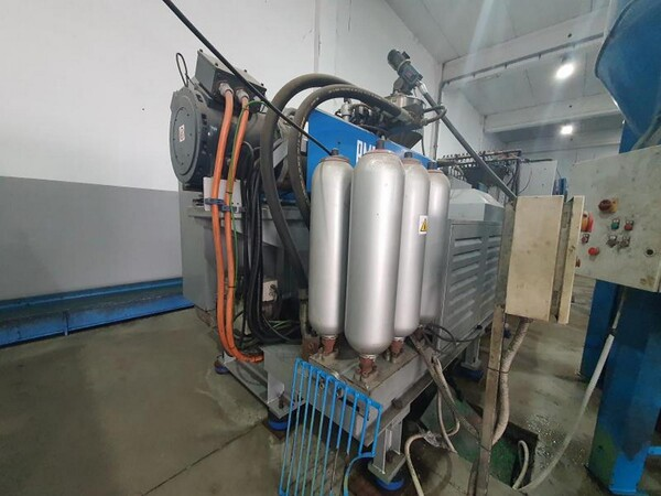 8#6048 Pressa oleodinamica BMB KW70PI in vendita - foto 21