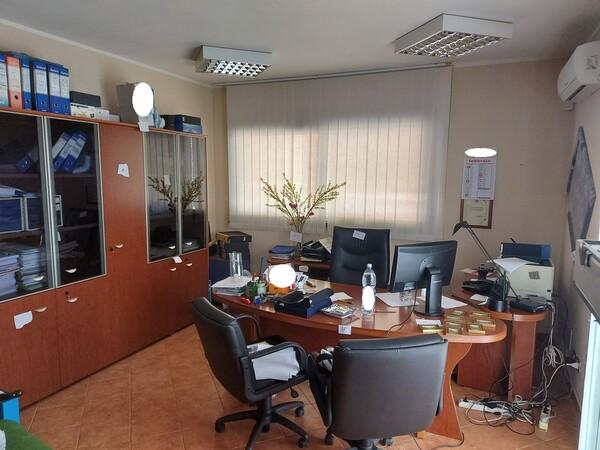 1#6058 Arredamento ufficio in vendita - foto 2