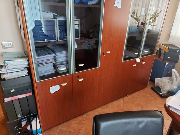 1#6058 Arredamento ufficio in vendita - foto 35