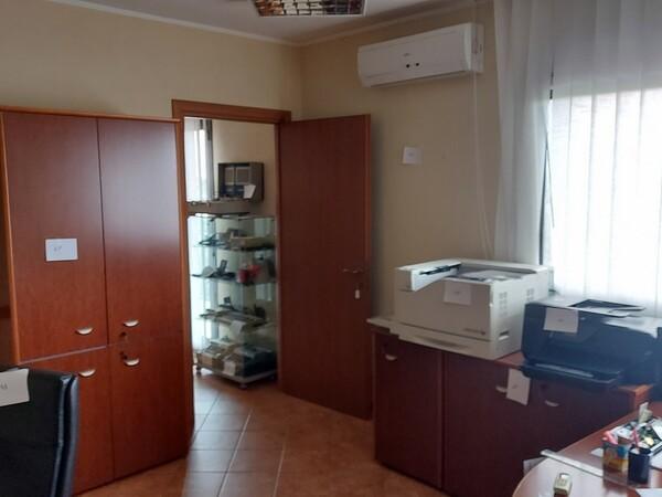 2#6058 Arredamento ufficio in vendita - foto 2