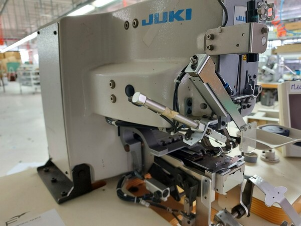 102#6059 Macchina attaccabottoni Juki in vendita - foto 4