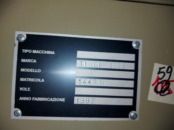 133#6059 Macchina imbastitrice Pfaff e piano da stiro Macpi in vendita - foto 7