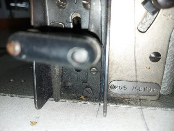 150#6059 Macchina attaccaspalline Durkopp e e tagliacuci Rimoldi in vendita - foto 19