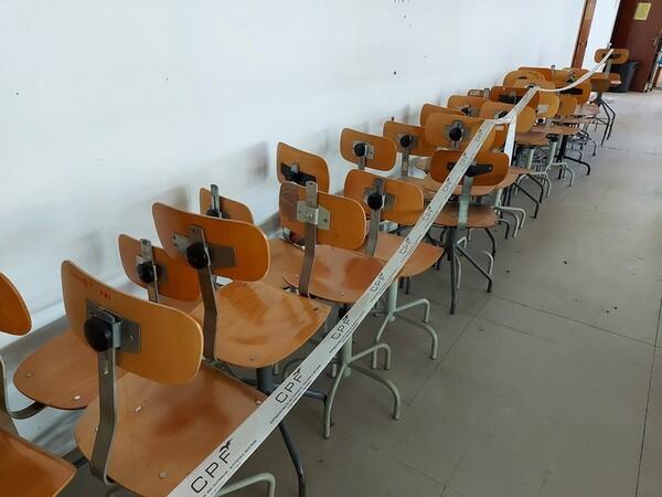 157#6059 Arredamento per laboratorio tessile e  utensili per la lavorazione tessile in vendita - foto 3