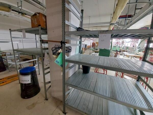 157#6059 Arredamento per laboratorio tessile e  utensili per la lavorazione tessile in vendita - foto 7