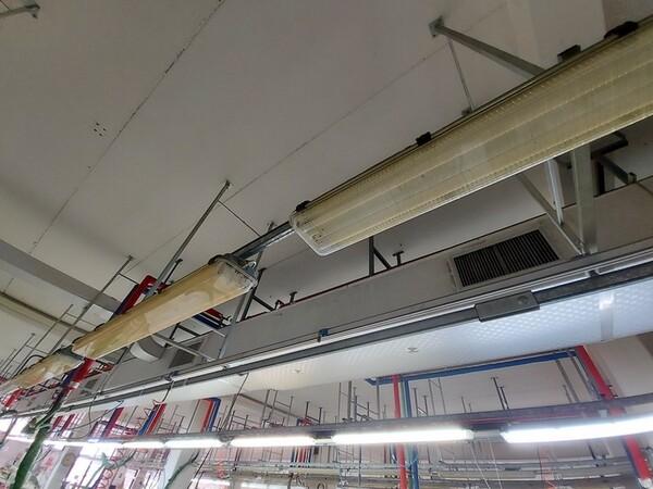 157#6059 Arredamento per laboratorio tessile e  utensili per la lavorazione tessile in vendita - foto 10