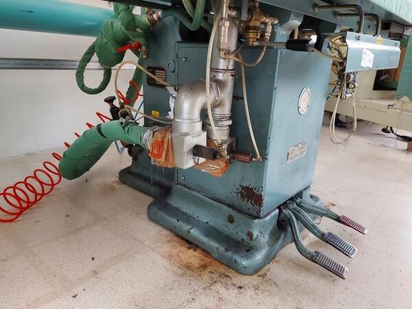 163#6059 Presse da stiro e macchina attaccabottoni Union Special Lewis in vendita - foto 3