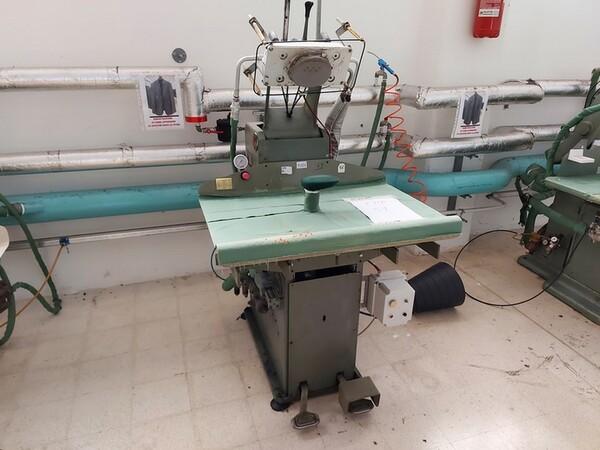 163#6059 Presse da stiro e macchina attaccabottoni Union Special Lewis in vendita - foto 17
