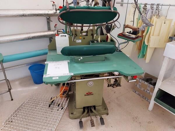 163#6059 Presse da stiro e macchina attaccabottoni Union Special Lewis in vendita - foto 38