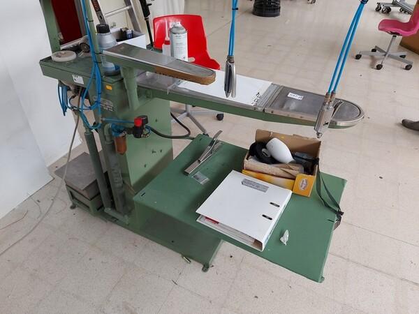 163#6059 Presse da stiro e macchina attaccabottoni Union Special Lewis in vendita - foto 47
