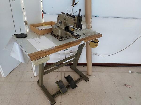 163#6059 Presse da stiro e macchina attaccabottoni Union Special Lewis in vendita - foto 56