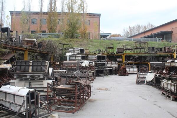 35#6068 Stampi in metallo e materiale ferroso vario in vendita - foto 22