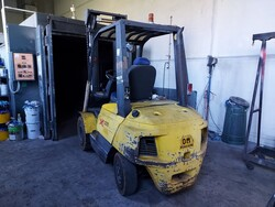 OM XD30 forklift and drums - Lot 2 (Auction 6077)