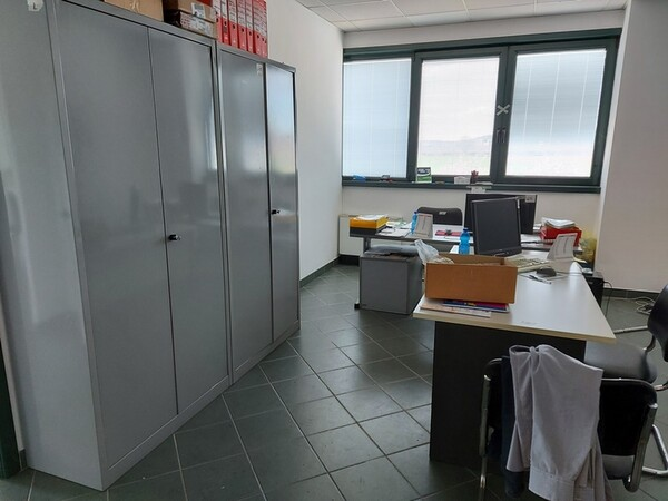 3#6077 Arredi e attrezzature per ufficio in vendita - foto 4