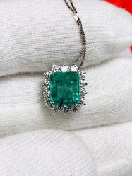 Emerald and diamond pendant - Lot 3 (Auction 6097)