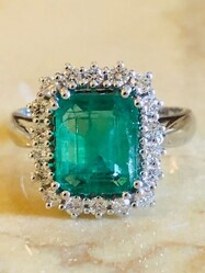 Cocktail Ring in Emerald and Diamonds - Lot 7 (Auction 6097)