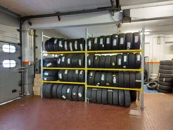 1#6107 Attrezzature da officina e gomme Michelin in vendita - foto 1