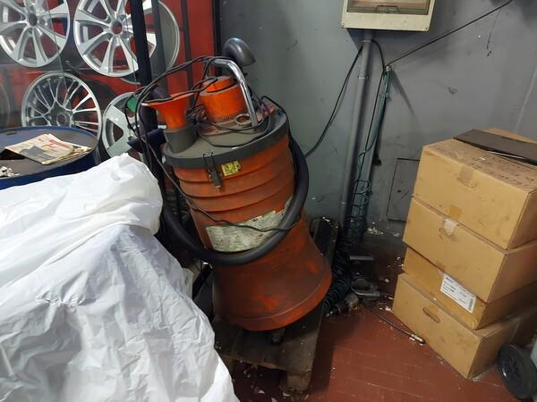 1#6107 Attrezzature da officina e gomme Michelin in vendita - foto 68