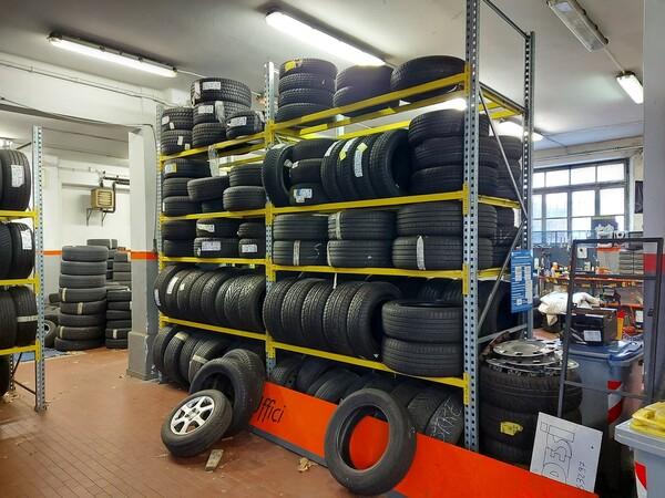 1#6107 Attrezzature da officina e gomme Michelin in vendita - foto 83