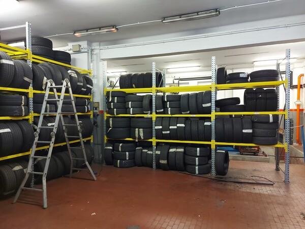 1#6107 Attrezzature da officina e gomme Michelin in vendita - foto 84