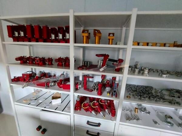 1#6118 Centri fresatura tornitura Mazak e attrezzature lavorazioni meccaniche in vendita - foto 173