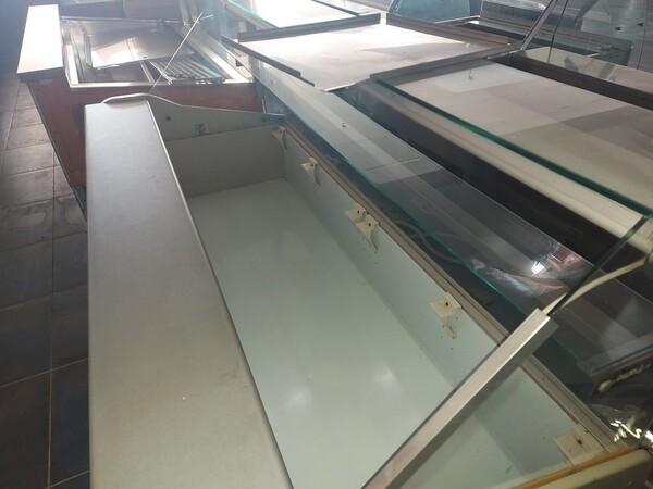 12#6126 Banchi e vetrina in vendita - foto 3