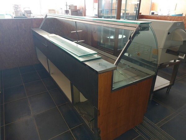 12#6126 Banchi e vetrina in vendita - foto 15