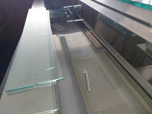 12#6126 Banchi e vetrina in vendita - foto 16
