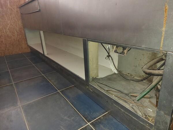 12#6126 Banchi e vetrina in vendita - foto 17