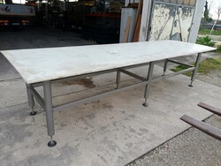 Table for food processing - Lot 8 (Auction 6128)
