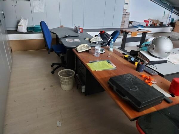 1#6138 Arredi ed attrezzature da ufficio in vendita - foto 1