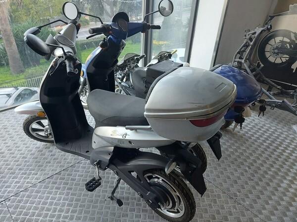 2#6138 Ciclomotori elettrici Swift e minimoto in vendita - foto 13